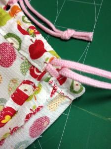 巾着袋可愛いハートのポケット付作り方
