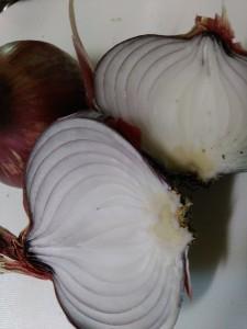 【紫玉ねぎ】の栄養と効果!食べ方は生だけ?